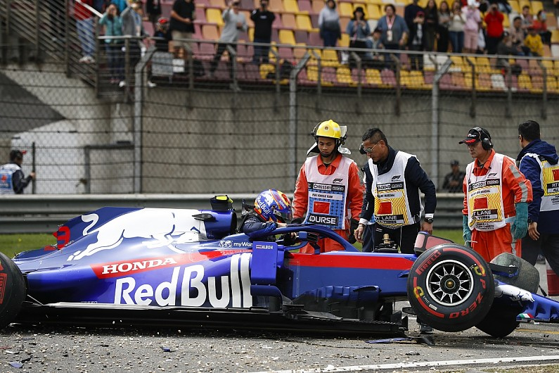 albon crash cina 2019