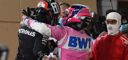 Sergio-Perez-George-Russell-GP-Sakhir-2020-Bahrain-169FullWidth-2f17bce5-1748395