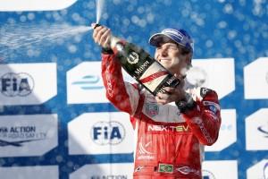 Nelsinho Piquet, vincitore del Long Beach ePrix